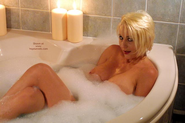 Pic #3 - Jan Sexy In The Tub 1