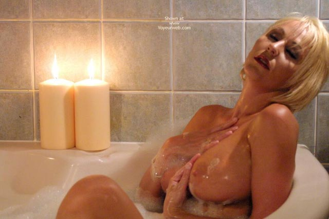Pic #4 - Jan Sexy In The Tub 1