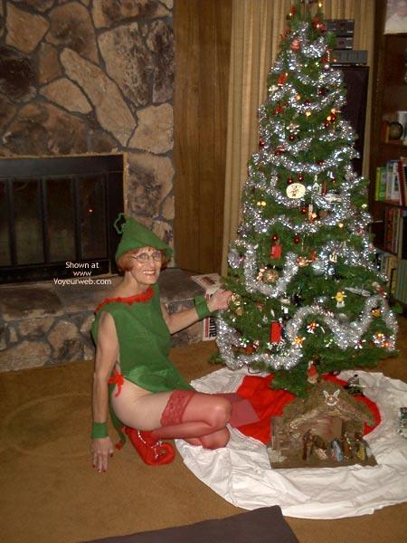 Pic #2 - *Xm  Supergal Is Santa'S Elf