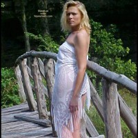 Starr (Babe On A Bridge)