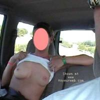 mi mujer en el coche