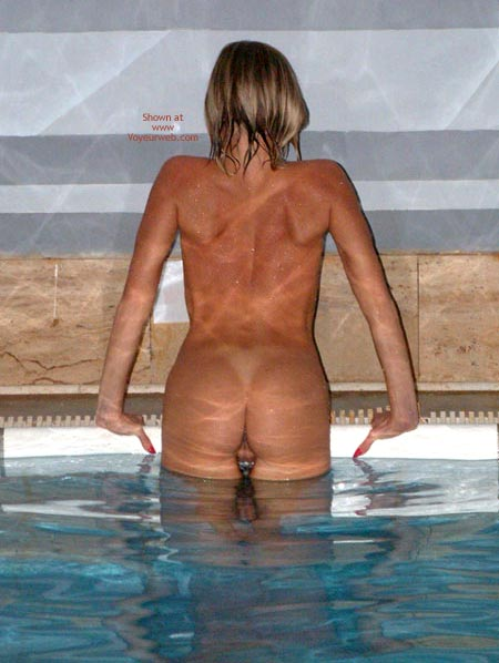Pic #8 - Relaxation Time In A Swiming Pool