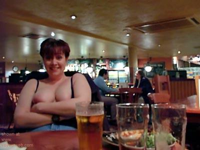 Pic #4 - Kelly      at the Bar