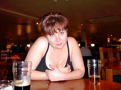 Pic #7 - Kelly      at the Bar