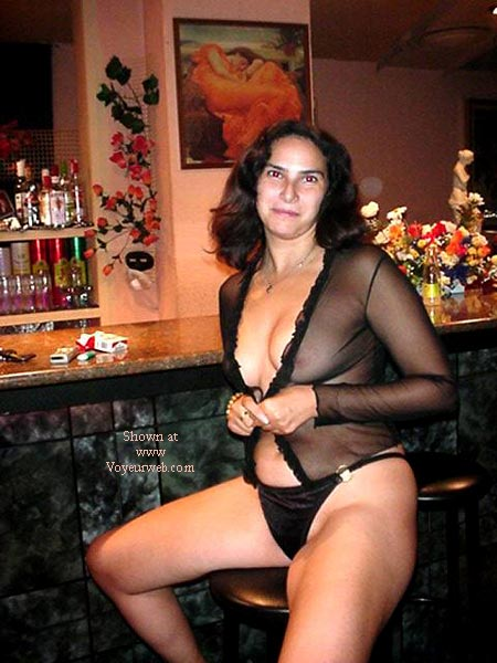 Pic #3 - Lara from Spain in the Pub