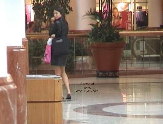 Pic #2 - Demi's Final shopping NIPS