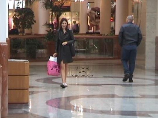 Pic #4 - Demi's Final shopping NIPS