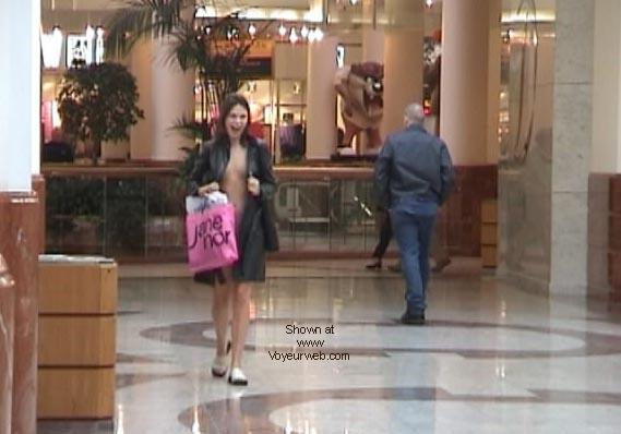 Pic #6 - Demi's Final shopping NIPS