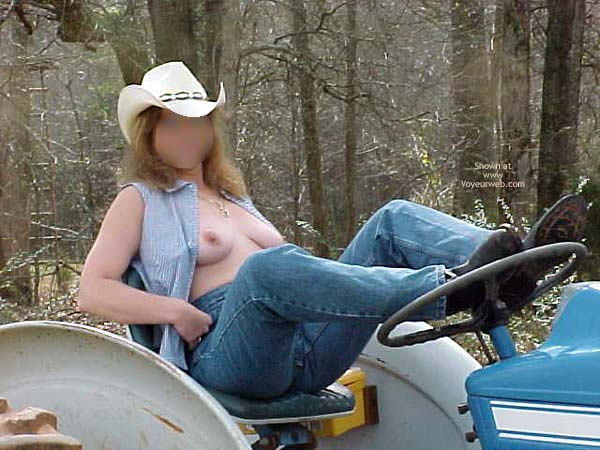 Pic #6 - Day On The Ranch 2