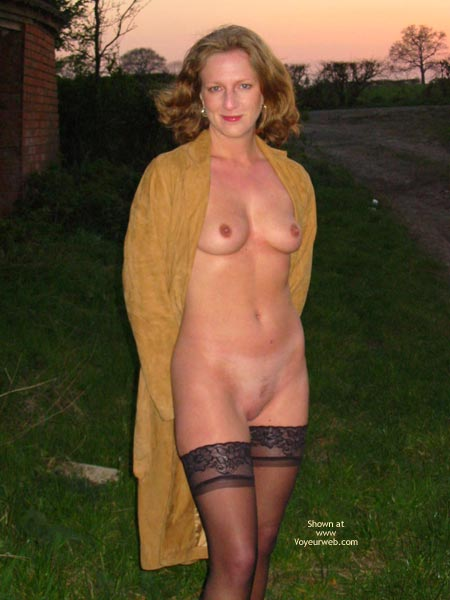 Pic #1 - Saucyminx Naked Outside 1