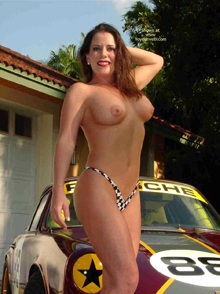 Pic #5 - Superlips And Her Porsche 1