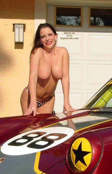Pic #6 - Superlips And Her Porsche 1