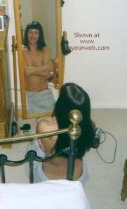 Pic #8 - Laura Gets Nekid