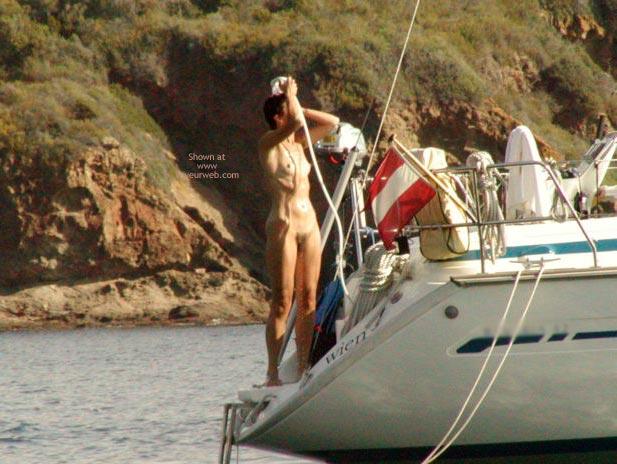 Pic #5 - Sailing Naked