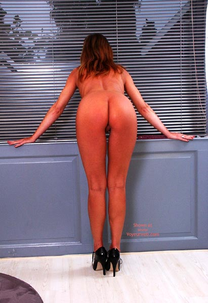 Pic #8 - Susy Rocks Naked At The Window