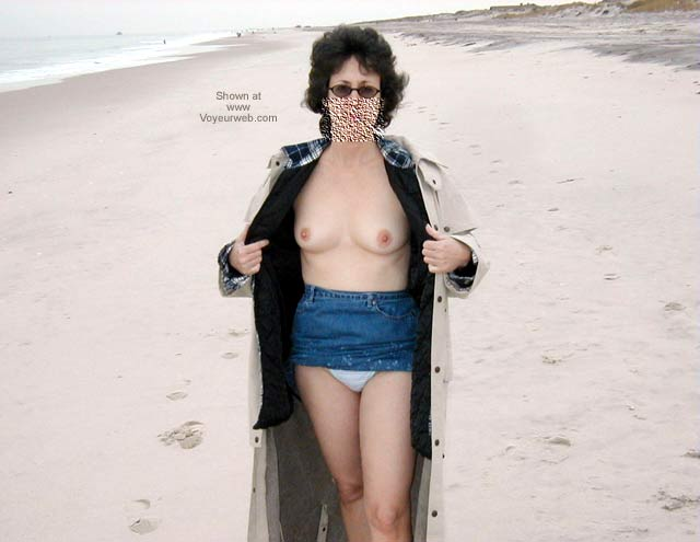 Pic #3 - Northeast Wife - At The Beach 1