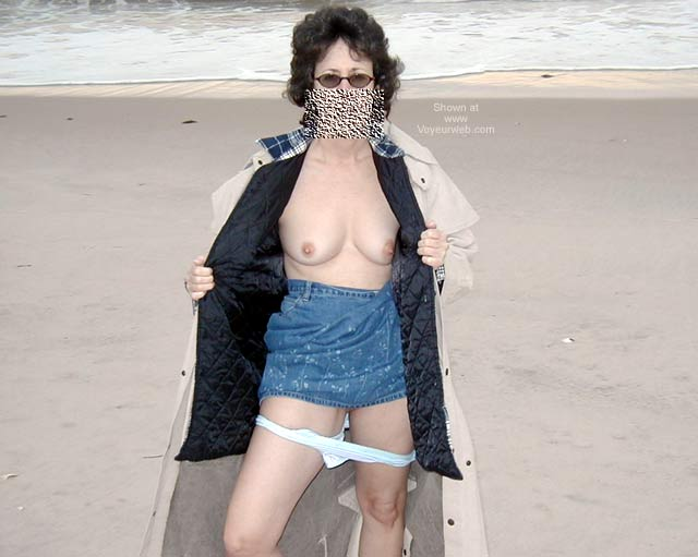 Pic #5 - Northeast Wife - At The Beach 1