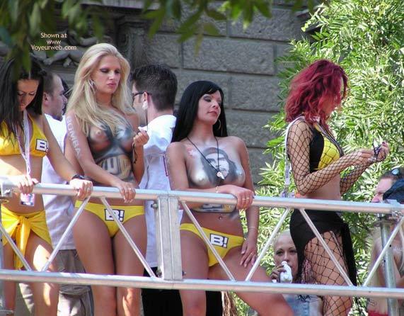 Pic #1 - Budapest Parade '03