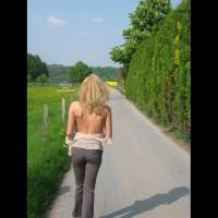 Unser Spaziergang Durch Das Rapsfeld