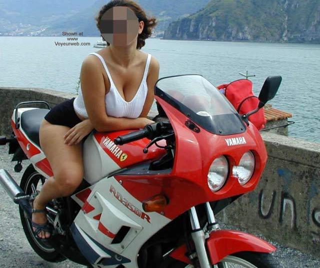 Pic #2 - Tiziana in Moto