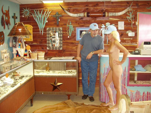 Pic #4 - *Sn Leigh Invades Trading Post