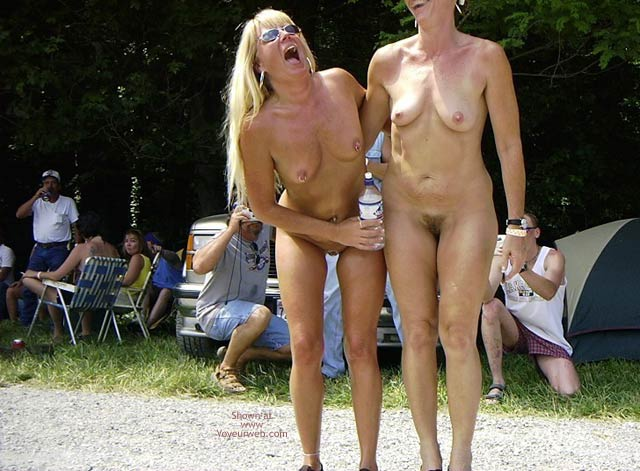Pic #4 - Flashingal Naked Walk in The Afternoon