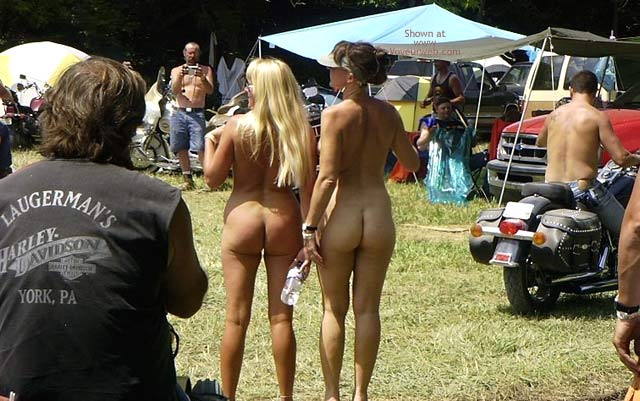 Pic #7 - Flashingal Naked Walk in The Afternoon