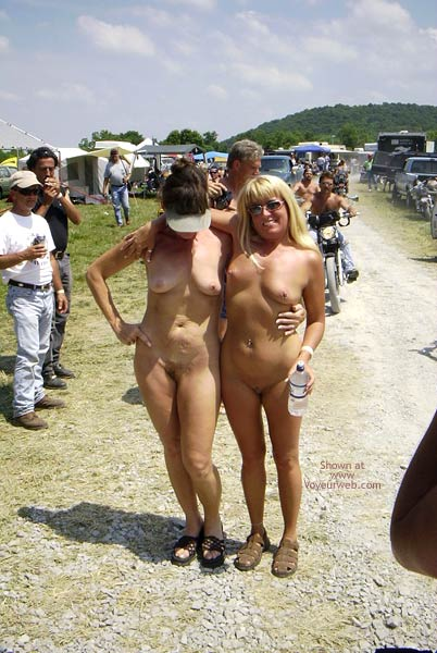 Pic #8 - Flashingal Naked Walk in The Afternoon