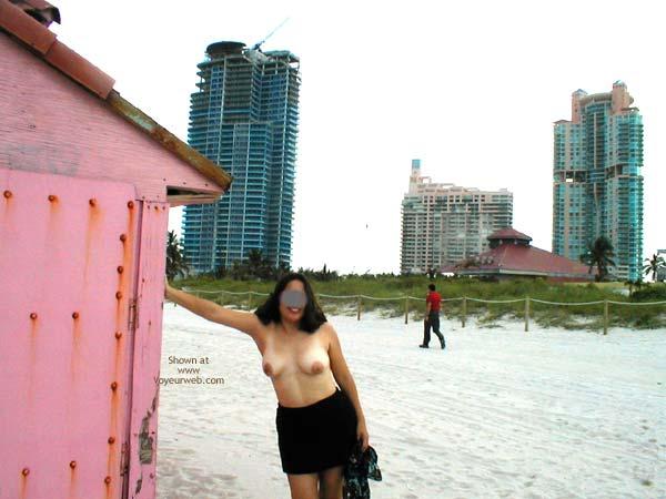 Pic #2 - Miami Latina Still Nude in Public 2