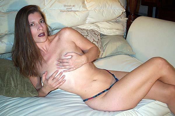 Pic #3 - Pamela Gets Frisky