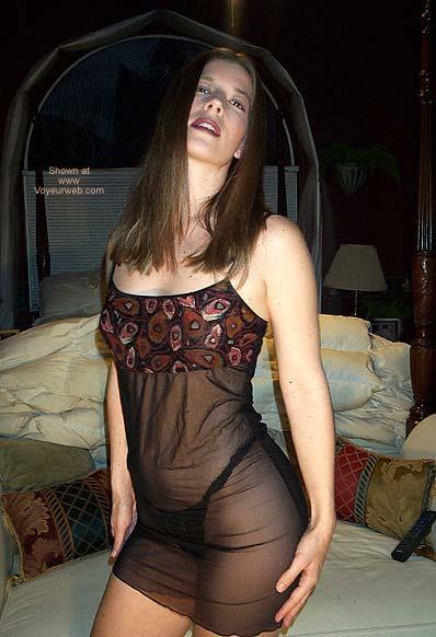 Pic #5 - Pamela Gets Frisky