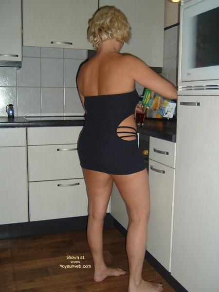 Pic #1 - 38yo Dutch  Wearing Black In The Kitchen