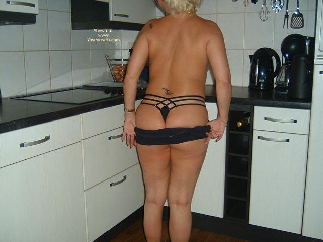 Pic #6 - 38yo Dutch  Wearing Black In The Kitchen