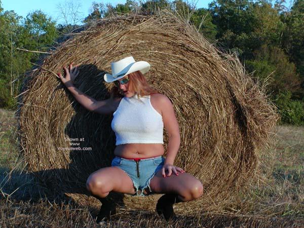 Pic #7 - Soo Hot N The Hay