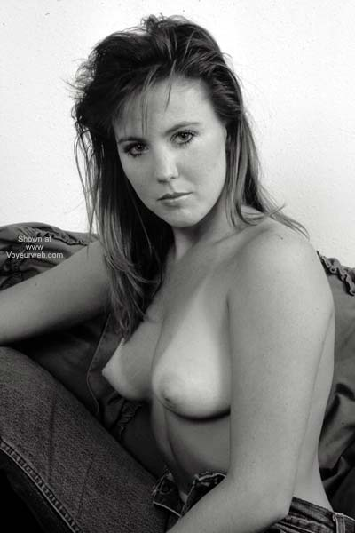Pic #3 - Erica Topless