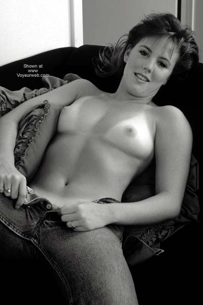 Pic #8 - Erica Topless