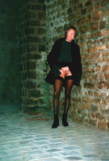 Pic #7 - Lisa Outside