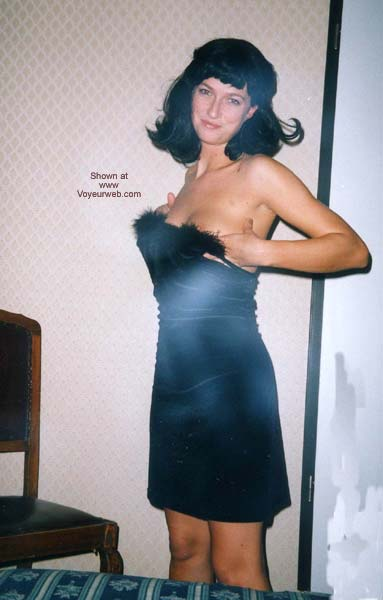 Pic #1 - Selvaggia and a Black Wig