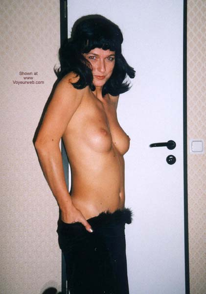 Pic #4 - Selvaggia and a Black Wig