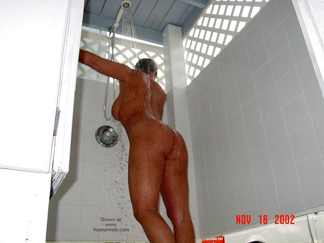 Pic #2 - South Fl. Couple.....Outdoor Shower