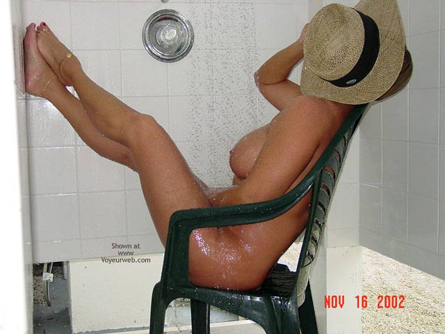 Pic #6 - South Fl. Couple.....Outdoor Shower