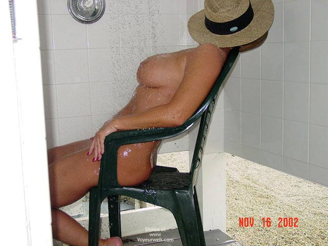 Pic #8 - South Fl. Couple.....Outdoor Shower
