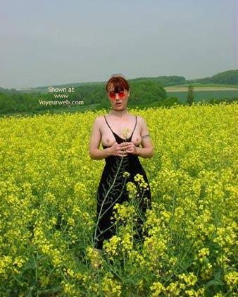 Pic #3 - Gina Zeigt Sich Raps 1