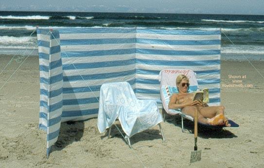 Pic #4 - Enna - A Windy Beach