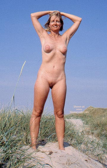 Pic #8 - Enna in The Dunes