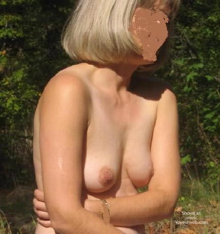 Pic #4 - Rochelle And Her 34b'S In Campground