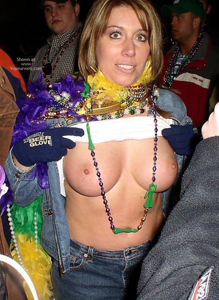 Pic #2 - St. Louis 2004 Mardi Gras 5