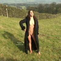 Adele Goes Nude