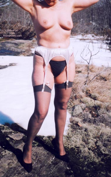 Pic #4 - Mrs.Cleaver Stripping In The Snow 1