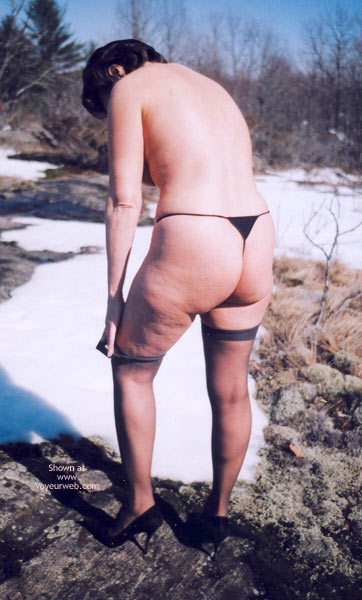 Pic #7 - Mrs.Cleaver Stripping In The Snow 1